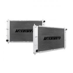 Hlinikový závodný chladič MISHIMOTO - 97-04 Ford Mustang, Automat